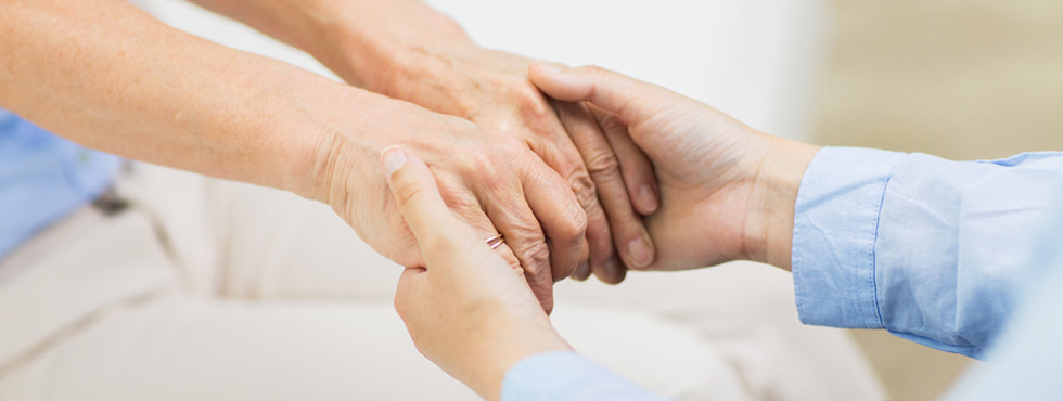 Vermittlungsdienstleistungen der 24 Stunden Betreuung und 24 Stunden Pflege zu Hause